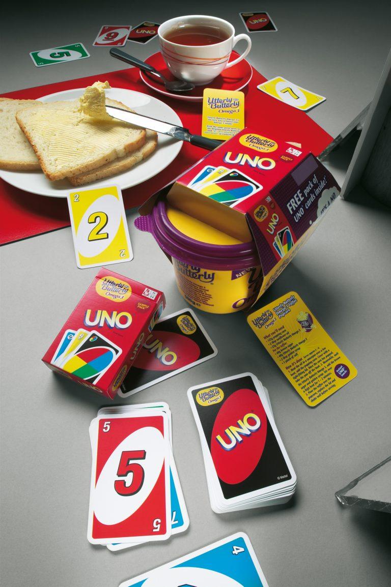 Uno Kartenspiel logo Firmen